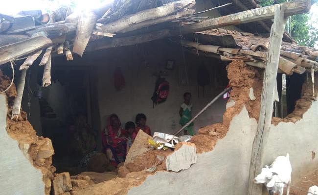 बोकारो : लुगू के गांवों में नहीं थम रहा हाथियों का उत्पात