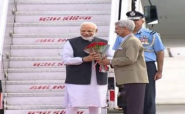 भूटान का दो दिवसीय दौरा समाप्त कर PM मोदी स्वदेश पहुंचे, विदेश मंत्री जयशंकर ने की अगवानी