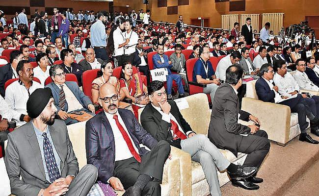 रांची : विकास का सीधा संबंध रोजगार से : रघुवर दास