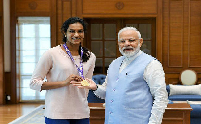 प्रधानमंत्री मोदी से मिली विश्व चैंपियन पीवी सिंधू