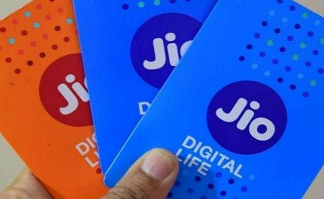 Airtel और वोडा-आइडिया को पछाड़कर कमाई में भी Reliance Jio नंबर वन