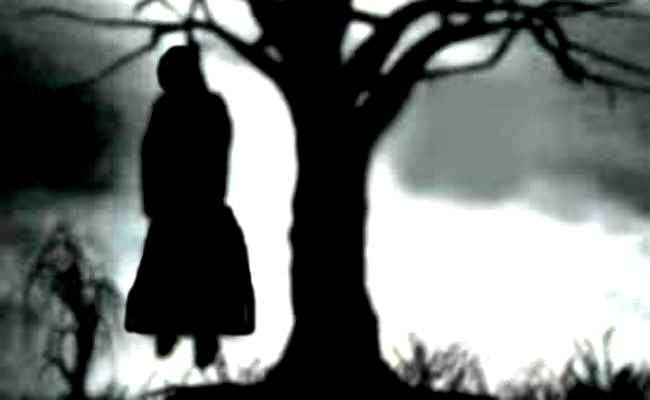 पलामू में शौच के लिए रात को घर से निकली छात्रा, सुबह पेड़ से लटकता मिला शव