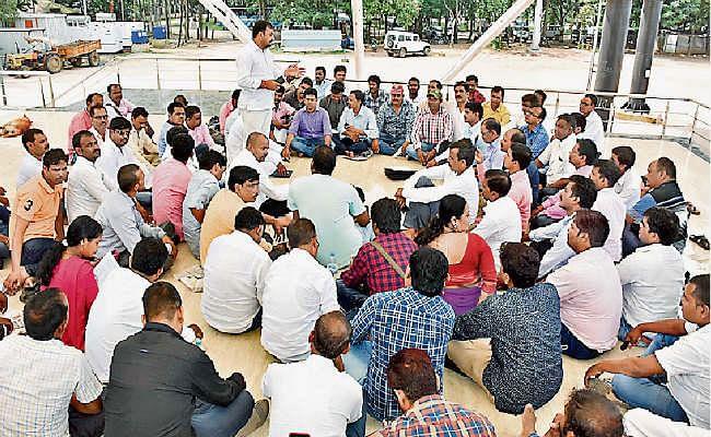 फिर आंदोलन की तैयारी में झारखंड के 61 हजार पारा शिक्षक, पांच सितंबर से चरणबद्ध आंदोलन की घोषणा