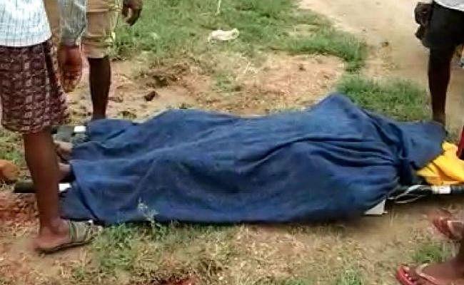 पलामू : बिजली विभाग की लापरवाही ने ले ली दो महिलाओं की जान, ग्रामीण आक्रोशित