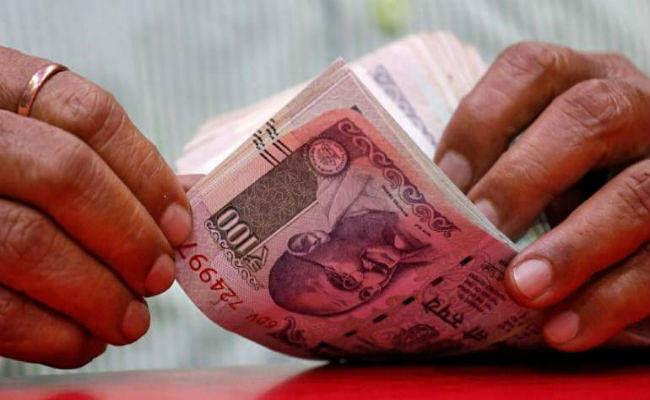 स्टॉक मार्केट में जोरदार गिरावट से निवेशकों के डूब गये 2.55 लाख करोड़ रुपये