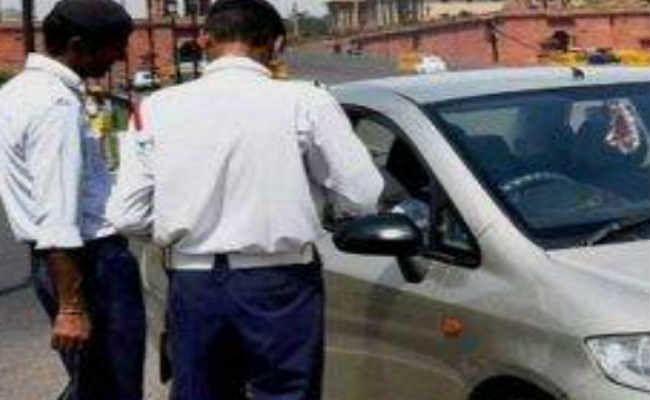 होली में सड़कों पर निकलकर हुड़दंग मचाने वालों की खैर नहीं, दिल्ली ट्रैफिक पुलिस का विशेष इंतजाम, जारी की एडवाइजरी