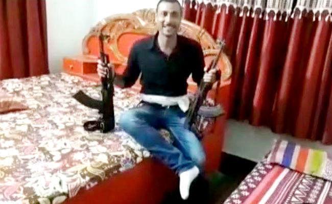 AK 47 लहराने का वायरल हुए वीडियो मामले में पुलिस ने दो लोगों को किया गिरफ्तार