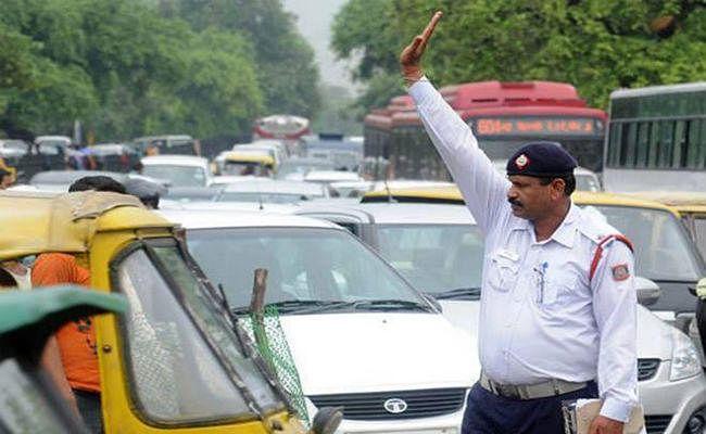 New MV Act: दिल्ली में कटा 2 लाख रुपये का रिकॉर्डतोड़ चालान