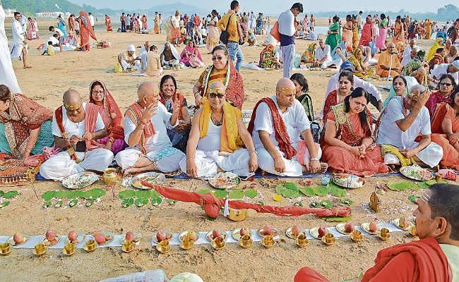 पितरों को शांति: पुनपुन और गोदावरी में किया गया पिंडदान, पितृपक्ष श्राद्ध का हुआ आगाज