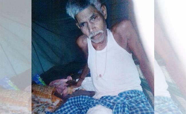 गुमला : वृद्ध ने खुद के इलाज के लिए जमीन बंधक रखी, पशुओं को बेचा