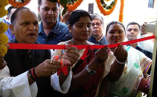 गरीब लोगों के लिए खादगढ़ा बस स्टैंड के पास बना आश्रयगृह, नगर विकास मंत्री ने किया उद्घाटन