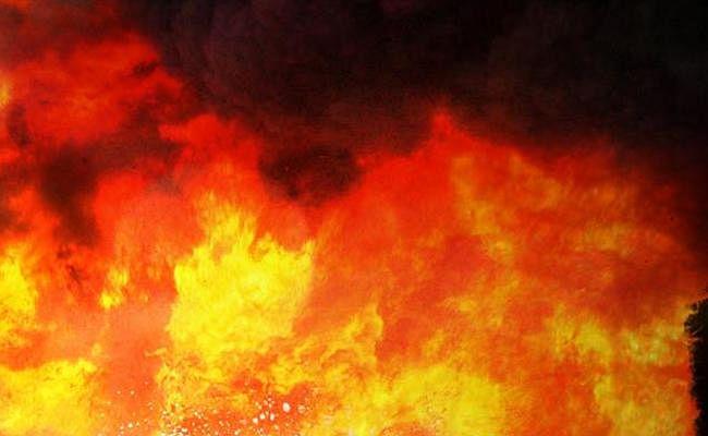 पिता ने बेटी की शादी के दिन घर को विस्फोट कर उड़ाया