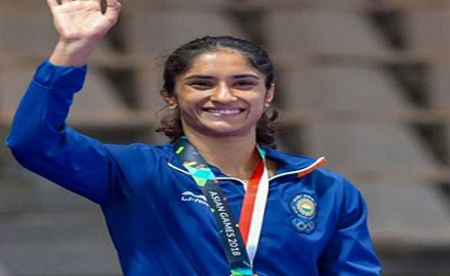 विनेश ने तोक्यो ओलंपिक के लिये क्वालीफाई किया, पूजा दूसरे विश्व पदक की दौड़ में