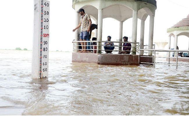 Bihar Weather, Flood Updates : बिहार के नौ जिलों में भारी बारिश-वज्रपात का अलर्ट, जानिए कहां-कहां बरसेंगे बदरा