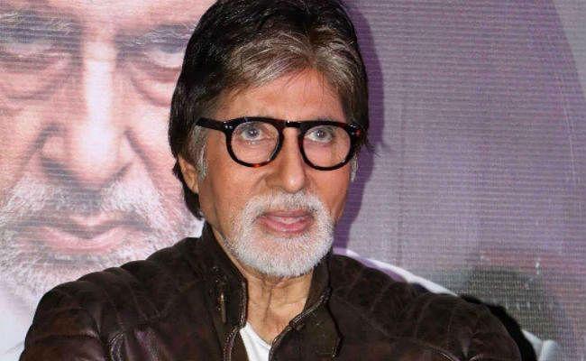 अमिताभ बच्चन के ट्वीट पर बवाल, ''जलसा'' के बाहर हो रहा है विरोध प्रदर्शन
