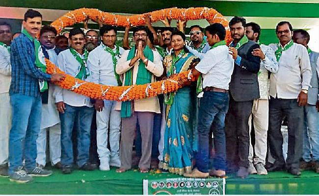 लातेहार : आरक्षण समाप्त करने की साजिश कर रही है भाजपा : हेमंत सोरेन