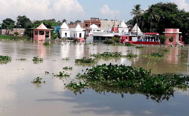 मुंगेर में बाढ़ का तांडव, सैकड़ों घरों में घुसा पानी, चूल्हा-चक्की बंद, दर्जन भर गांव बने टापू, सड़क संपर्क भंग