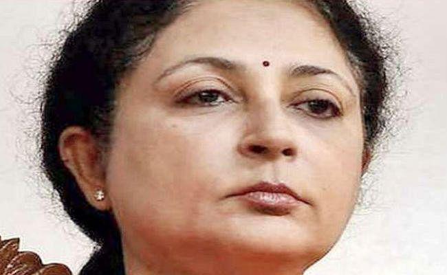 मद्रास उच्च न्यायालय की मुख्य न्यायाधीश का इस्तीफा स्वीकार
