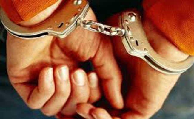 फर्जी टिकट मामले में दुकान का मालिक गिरफ्तार, सामान जब्त