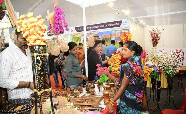 EXPO 2019 : विभिन्न प्रतियोगिताओं के साथ मोराबादी मैदान में एक्सपो उत्सव का आनंद उठा रहे लोग