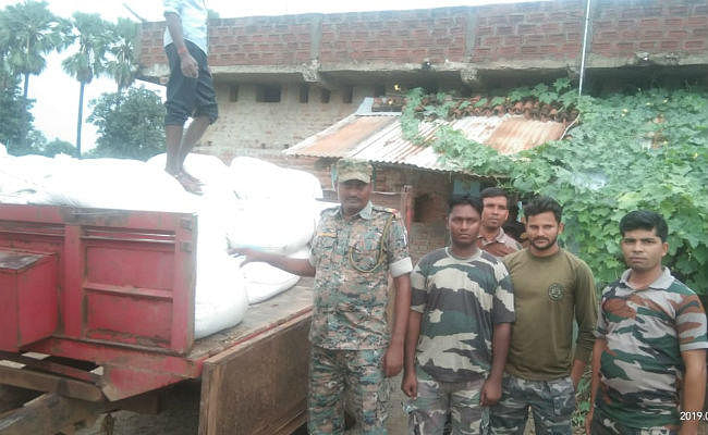 छतरपुर के मंदेया गांव में तीन घरों में मिला नौनिहालों को दिया जाने वाला कई टन पोषाहार