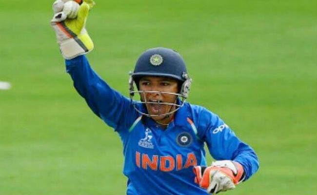 शेफाली वर्मा ने टी20 में रचा इतिहास, सबसे कम उम्र में डेब्यू करने वाली खिलाड़ी बनी