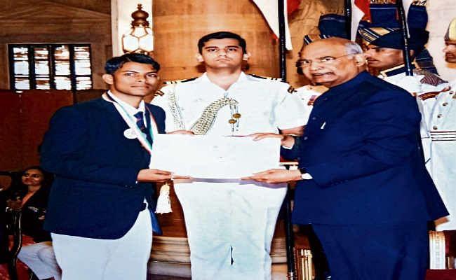 झारखंड के रवि व राजेंद्र को राष्ट्रपति ने किया सम्मानित
