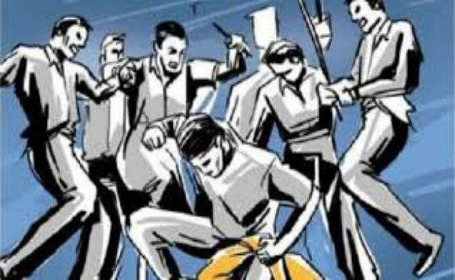 चोर के संदेह में पीट-पीट कर हत्या, 3 गिरफ्तार