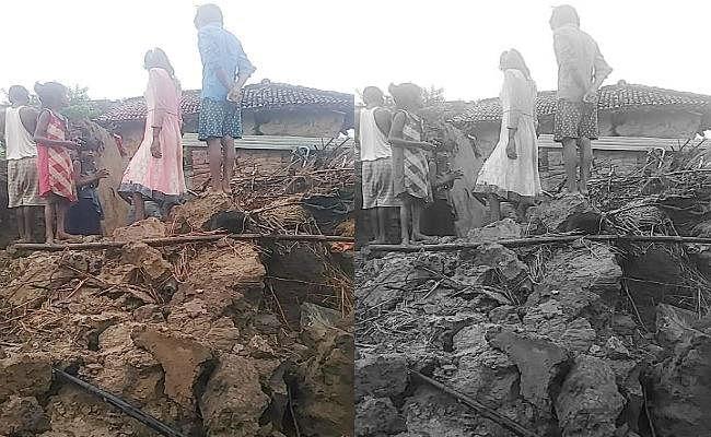 भारी बारिश से गया में ढह गया मकान, महिला और बच्ची की मौत, अस्पताल में ताला लटका देख उग्र हुए ग्रामीण, फिर...