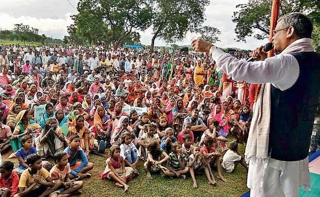 आदिवासियों को खान पर दिलायेंगे मालिकाना हक - बाबूलाल