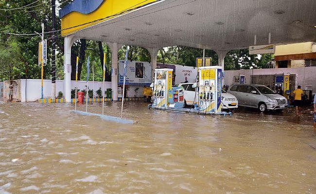 पटना शहर में 12 घंटे में 80 मिमी बारिश, सभी स्कूल एक अक्तूबर तक रहेंगे बंद