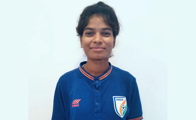 सिमडेगा की पूर्णिमा कुमारी सहित झारखंड की पांच खिलाड़ी U-15 भारतीय फुटबॉल टीम के साथ भूटान रवाना
