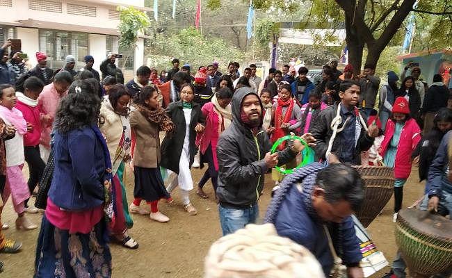 happy new year 2020 : झारखंड में लोगों ने इस तरह किया 2020 का स्वागत
