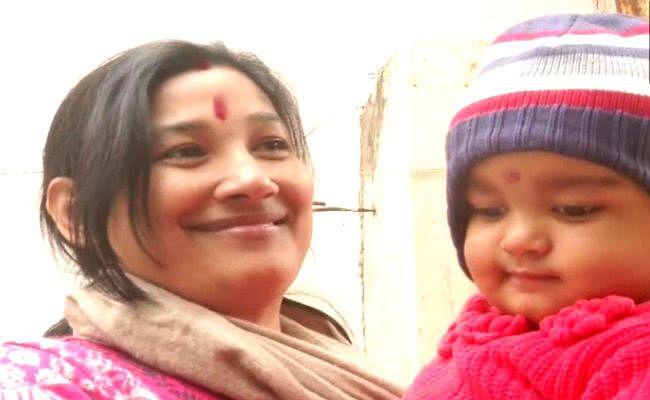वाराणसी: आखिरकार 12 दिन बाद अपनी मां से मिली नन्हीं ''चंपक', जानिए क्यों होना पड़ा था जुदा