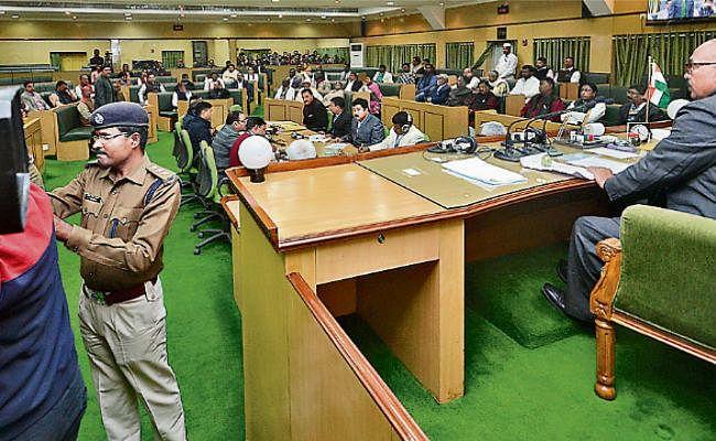 झारखंड: 4210.08 करोड़ रुपये का द्वितीय अनुपूरक बजट पेश, विधानसभा में आज होगी चर्चा