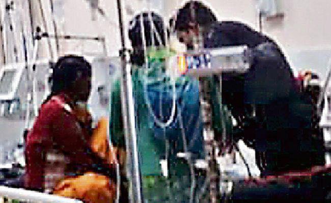 रांची : रिम्स के गार्ड कर रहे हैं पारा मेडिकल का काम, कैसे कम होगा मौत का आंकड़ा