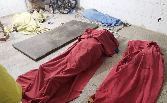 बोलेरो और ट्रक की टक्कर में दो बच्चों और महिला सहित चार लोगों की मौत
