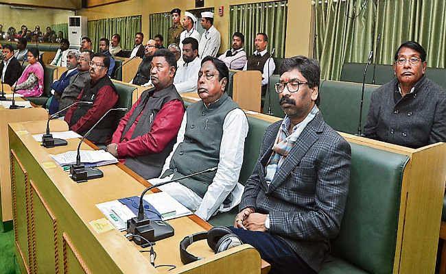 नवगठित विधानसभा का पहला सत्र : दिखे सरकार के इरादे व सियासी रंग, दलीय कटुता का चैप्टर भी खुला