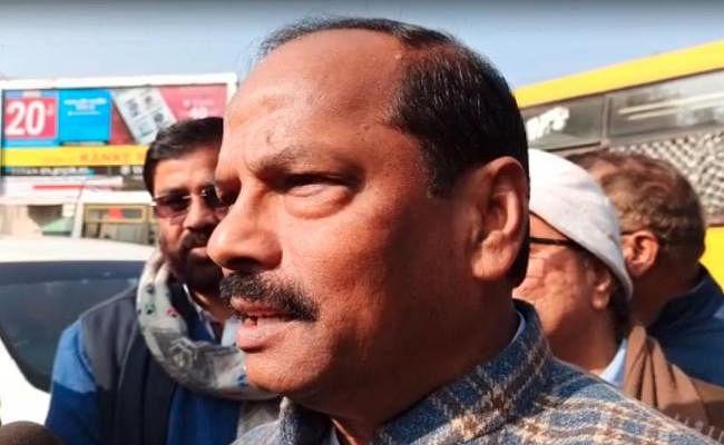 मोमेंटम झारखंड में भ्रष्टाचार के मुद्दे पर रघुवर दास ने हेमंत सोरेन पर किया पलटवार, कही यह बड़ी बात