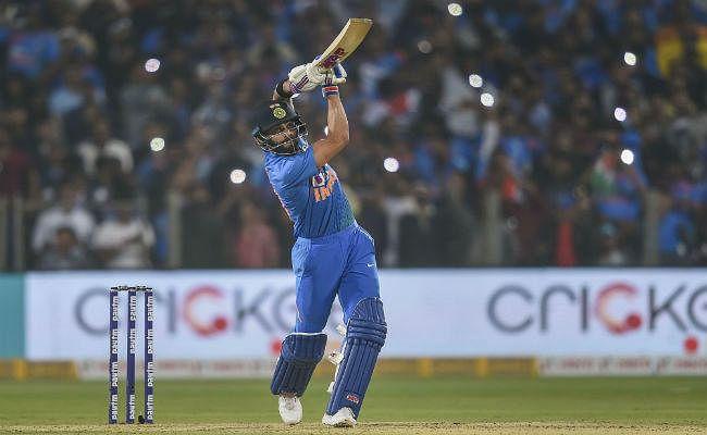 विराट कोहली सबसे तेज 11000 रन बनाने वाले कप्तान बने