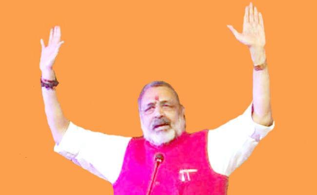 CAA : केंद्रीय मंत्री गिरिराज सिंह ने भारतवंशी शरणार्थियों से बताया रिश्ता, कहा...