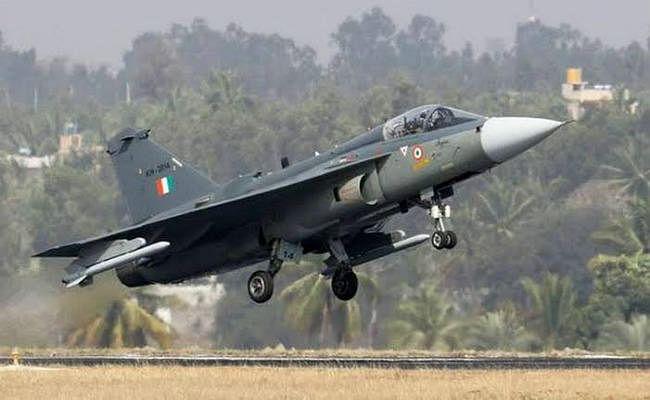 बढ़ेगी वायुसेना की ताकत, रक्षा सचिव ने कहा- 200 युद्धक विमान खरीदे जायेंगे