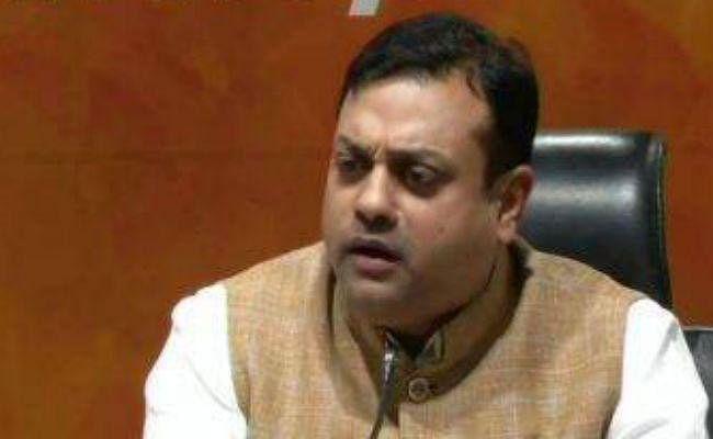 भाजपा ने सोनिया, राहुल से पूछा- बतायें पुलवामा हमले के पीछे यदि पाकिस्तान नहीं, तो फिर कौन?