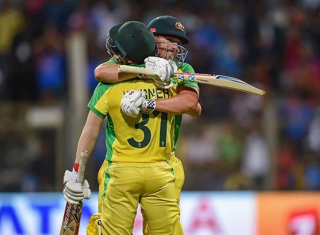 ऑस्ट्रेलिया ने भारत को पहली बार दस विकेट से हराया, चमके वार्नर-फिंच