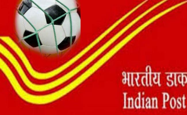 भारतीय डाक विभाग ने महान फुटबॉलर चुन्नी गोस्वामी को सम्मानित किया