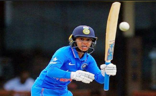 युवा बल्लेबाज शेफाली वर्मा को मिला केंद्रीय अनुबंध, मिताली और झूलन ग्रेड बी में