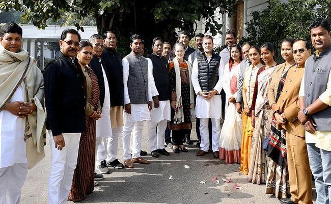 झारखंड के कांग्रेस विधायक सोनिया और राहुल से मिले