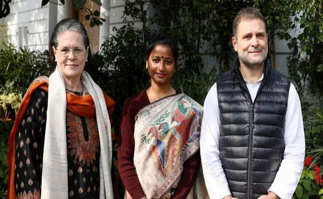 बड़कागांव की विधायक अंबा प्रसाद ने कहा, दिल्ली में सोनिया-राहुल ने दिये सूबे में जनहित का काम करने के निर्देश
