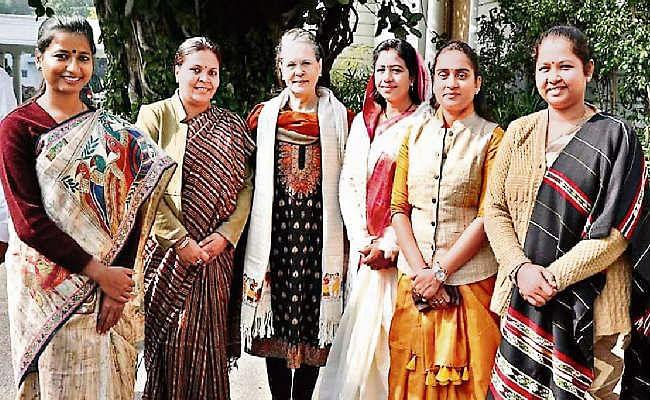 सोनिया-राहुल से मिले कांग्रेसी विधायक, सोनिया ने कहा- सरकार में हैं तो जनता से जुड़ें और संगठन का भी काम करें