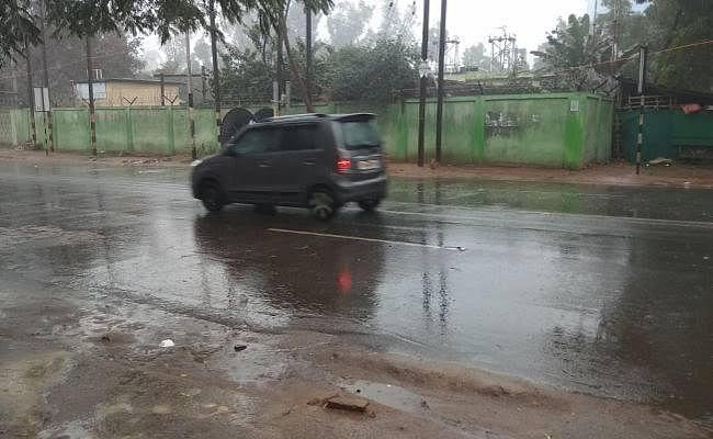 झारखंड के कई जिलों में हो रही है बारिश, मौसम विभाग ने जारी किया येलो अलर्ट